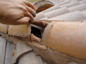 cracked tile roof repair10